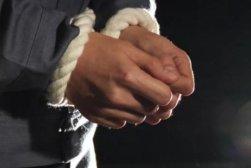 174069_Handcuffs_generic_pic