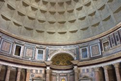 800px-Rome-Pantheon-Interieur1-1