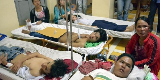 cambodia-strikers-injured 03.01.14