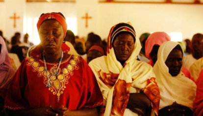 sudanese-christian-women-praying