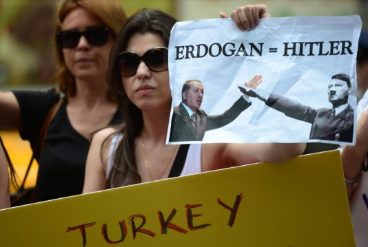 Women\'s protest against Erdogan\'s policy