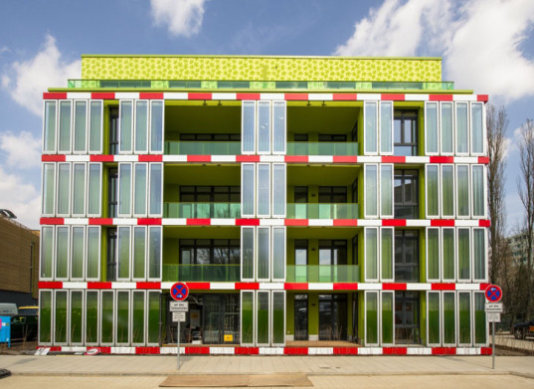 Preview_BIQ_Opening_Credits-IBA-Hamburg-GmbH-Johannes-Arlt_001-537x391