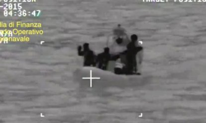 700 migrants boat capsize