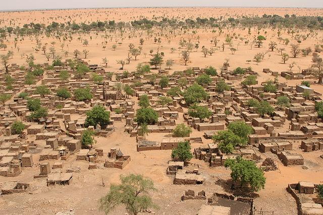 640px-Village_Telly_in_Mali