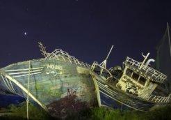 boat wreckage