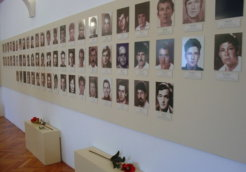 Srebrenica-Potocari-Memorial-Center-Cemetery_resize
