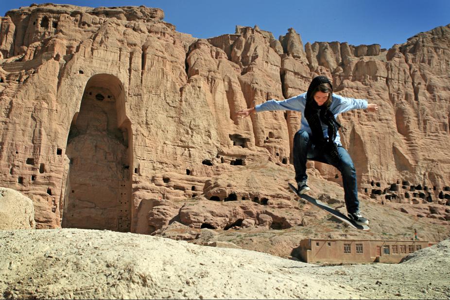 erika-buddha-bamiyan-