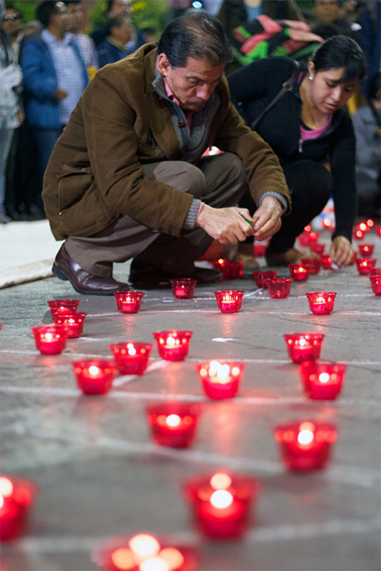 Candlelight vigil in honor of thousands of disappeared in Peru