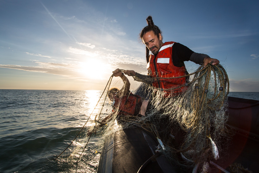 Ruben Albarrán, a Greenpeace activist from the Meixcan group Café Tacuba looks for illegal fishing nets in the Sea of Cortés.