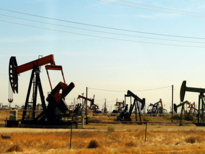 2006-08-16 - 02 - Road Trip - Day 24 - United States - California - Oil Pumps