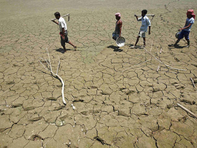 B_Id_379336_India_worst_drought