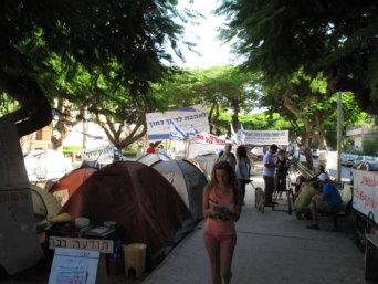 Tel_Aviv_protests_tents