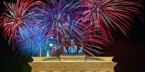 Berlin---Brandenburger-Tor---Feuerwerk