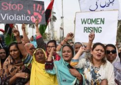 women pakistan protest