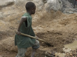 Child-labour-in-Congo_-CC-4.0.jpg_uitsnede