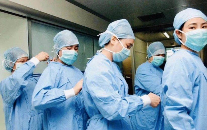coronavirus-nurses-scrubs