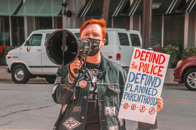 defund-the-police-fairplanet